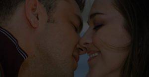 Kissing Reviews